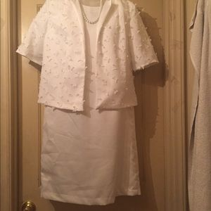 Dresses & Skirts - White dress with short sleeve butterfly jacket